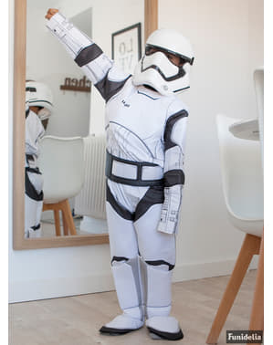 Costum Stormtrooper Star Wars Episodul 7 deluxe pentru băiat