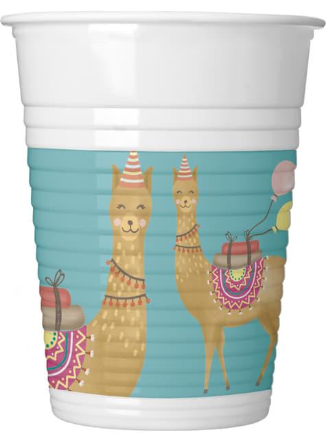 8 Llama plastic cups