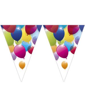 Flagi z tęczowymi balonami
