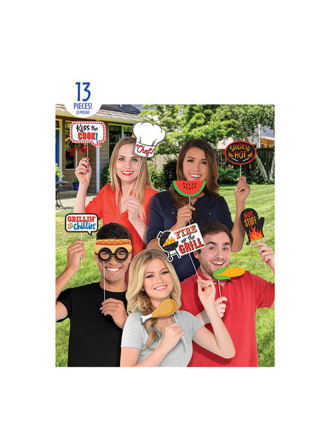 13 BBQ photo booth accessories