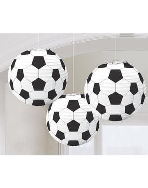 3 sfere pendenti decorarate con palloni da calcio