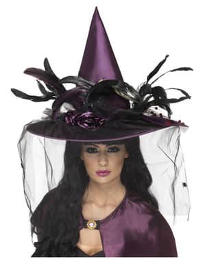 Chapeau violet de sorcière avec des plumes