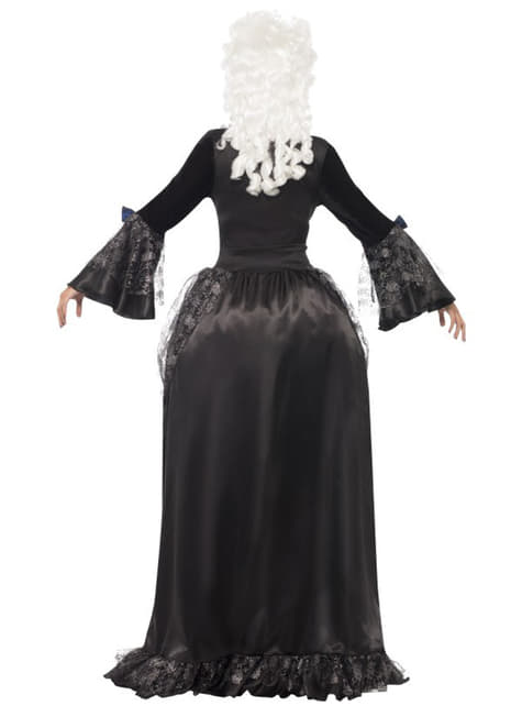 Бароков дамски костюм