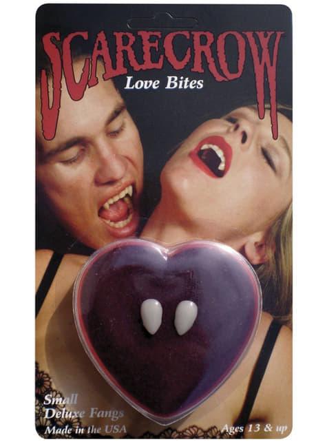 Colmillos mordisco del amor