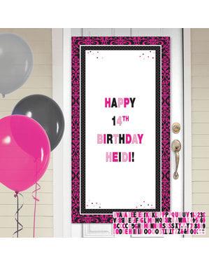 Personalizowany banner urodzinowy na drzwi z różowo-czarnym wykończeniem