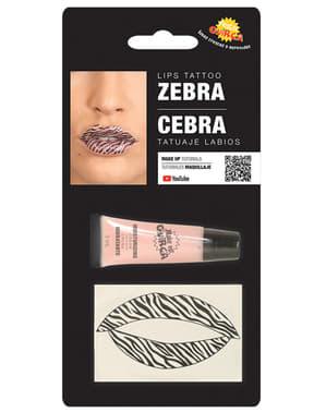 Zebra lip tattoo voor volwassenen