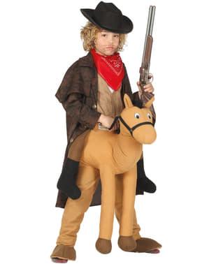 बच्चों के लिए पोशाक पर घोड़े की सवारी