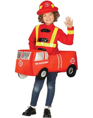Brandweerman in brandweerauto kostuum voor kinderen