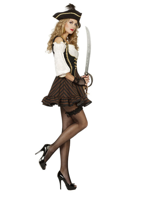 Brown pirate costume for women