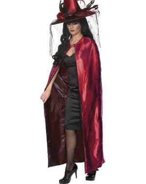 Reversible vampire cape for a woman
