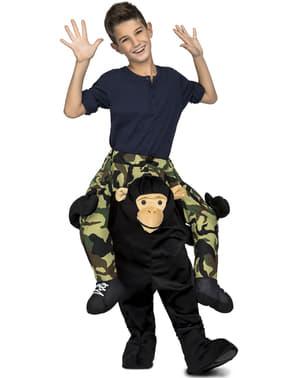 बच्चों के लिए पोशाक पर काले बंदर की सवारी