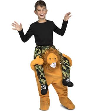 बच्चों के लिए पोशाक पर शेर की सवारी