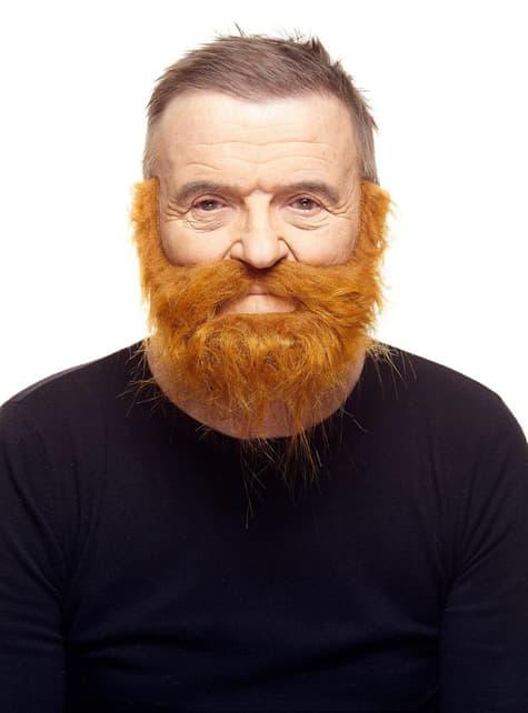 Bardzo krzaczasta ruda broda i wąsy