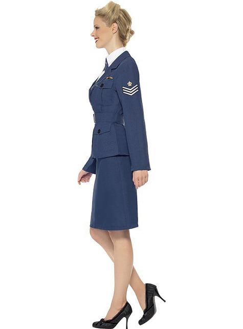 空軍衣装のキャプテン