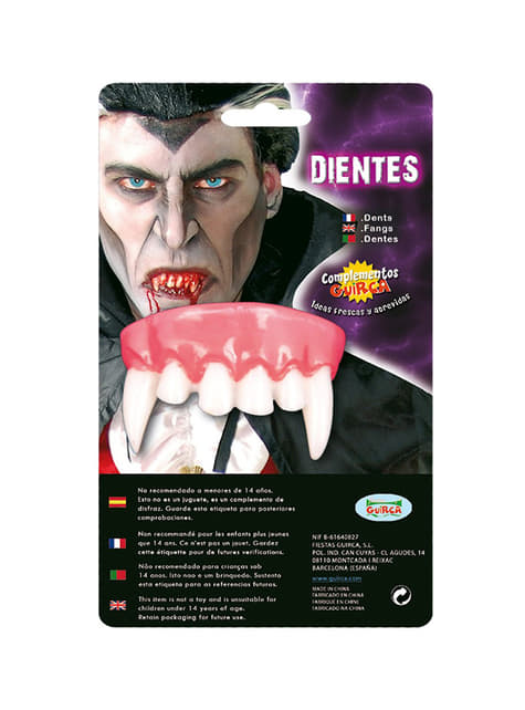 Dents pointu de vampire