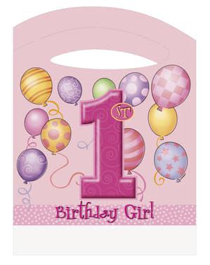 Ensimmäinen syntymäpäivä paketti pinkkinä