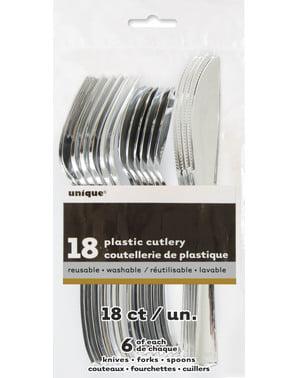 銀のプラスチック製カトラリー - 基本色のラインのセット