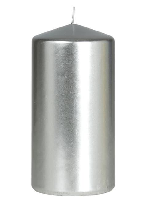 Wysoka srebrna świeczka