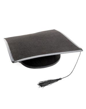 Абсолвентска шапка