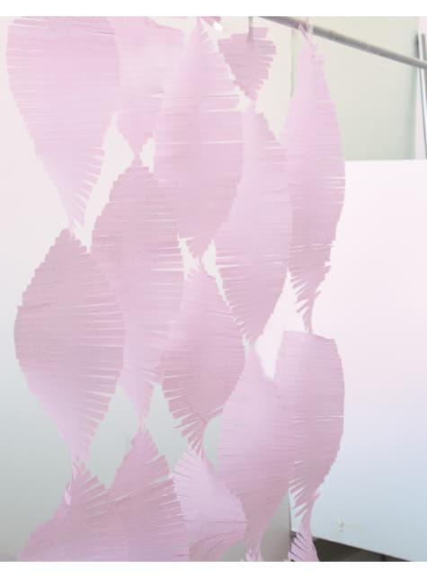 וילון טאסל בוורוד בהיר עשוי מנייר קרפ