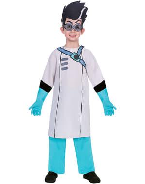 PJは子供のためのロミオ衣装をマスク