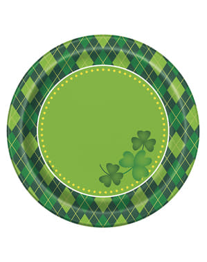 8 checkered green Happy St Patrick's Day dessert plates (18 cm)