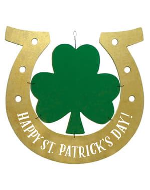 Dekoration hästsko med St Patrick's Day fyrklöver