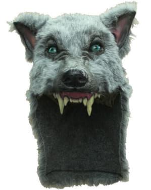 Каска със сив вълк