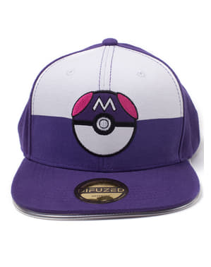 Pokemon dengan topi Pokeball biru