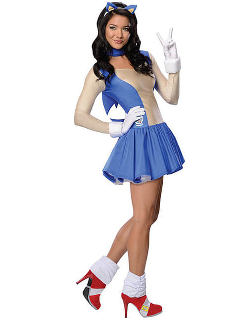 Sonic costume for a woman