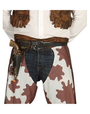 Ruskea asevyö ja pistooli