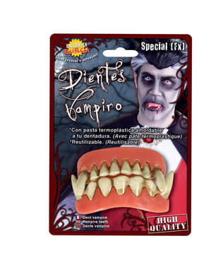 Зъби от горната и долната част на вампира