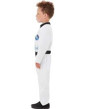 宇航员服装的男孩
