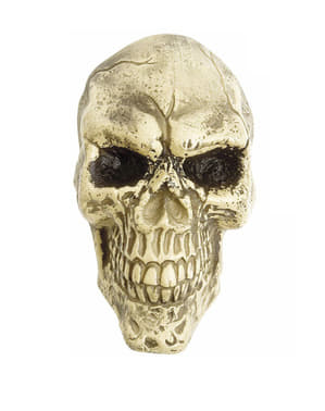 Ужасяващ декоративен череп в естествен размер