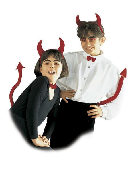 Sæt med djævletilbehør til børn