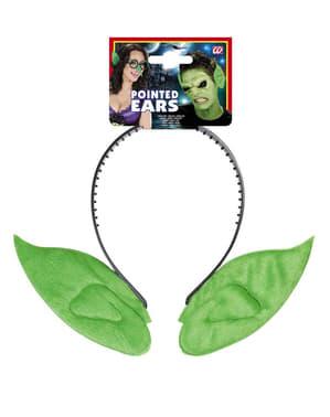 Orelhas pontiagudas verdes