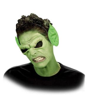 緑色のとがった耳