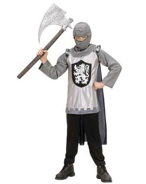 Hacha medieval envejecida
