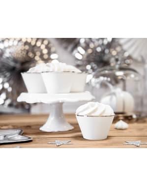 6 cupcakeformar vita med silverfärgade kanter i papper