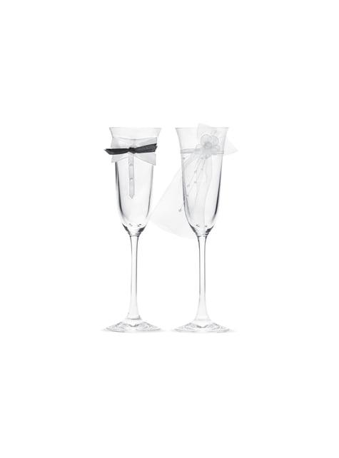 2 flûtes à champagne avec cravate et voile