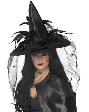Chapéu de bruxa com penas e tule