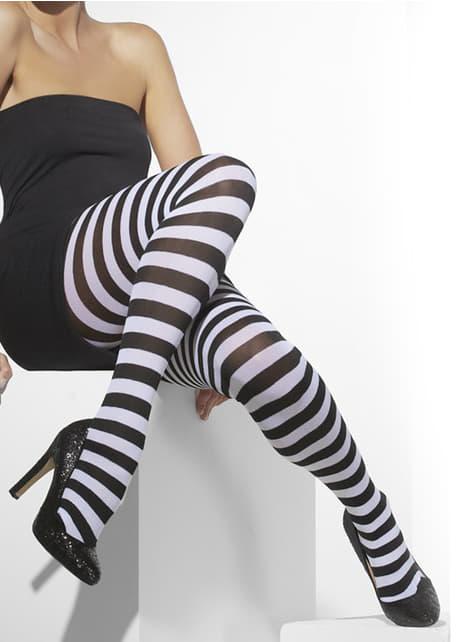 Μαύρες και λευκές ραμμένες κάλτσες