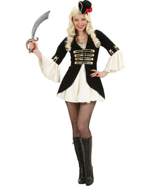 Pirate captain costume for a woman
