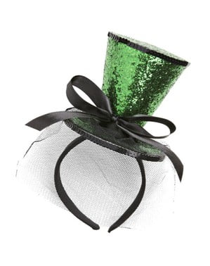 Mini green top hat with veil