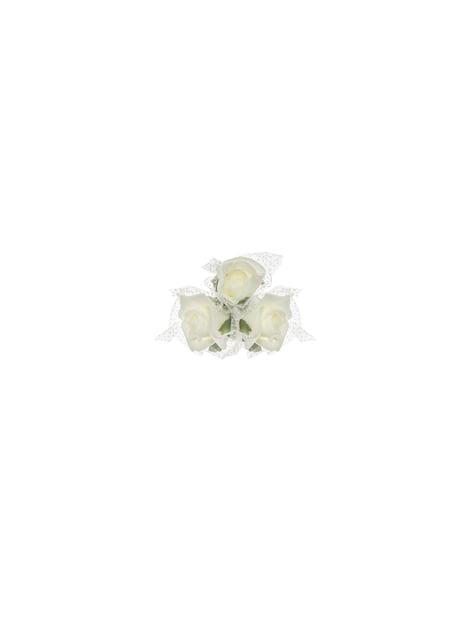 4 petits bouquets de 3 roses beiges pour la voiture des mariés