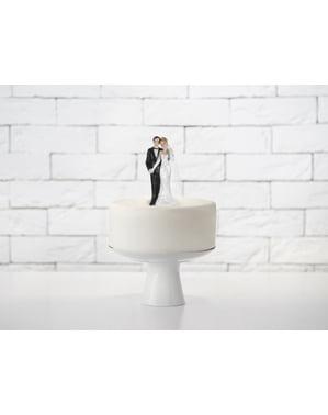 श्यामला दुल्हन के साथ वेडिंग केक का आंकड़ा