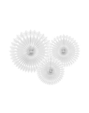 3 rosaces en papier blanc de 20 a 30 cm