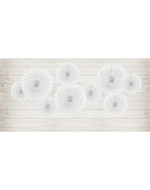 sett med 3 dekorativ papirvifte i hvit med mål på 20 til 30 cm