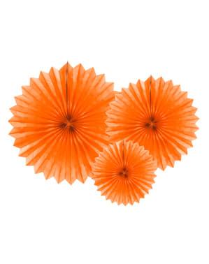 4 koristeellista paperiviuhkaa oranssina mitoiltaan 20 - 40cm