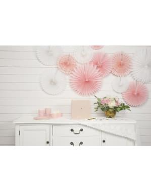 sett med 3 dekorativ papirvifte i hvit med mål på 20 til 40 cm